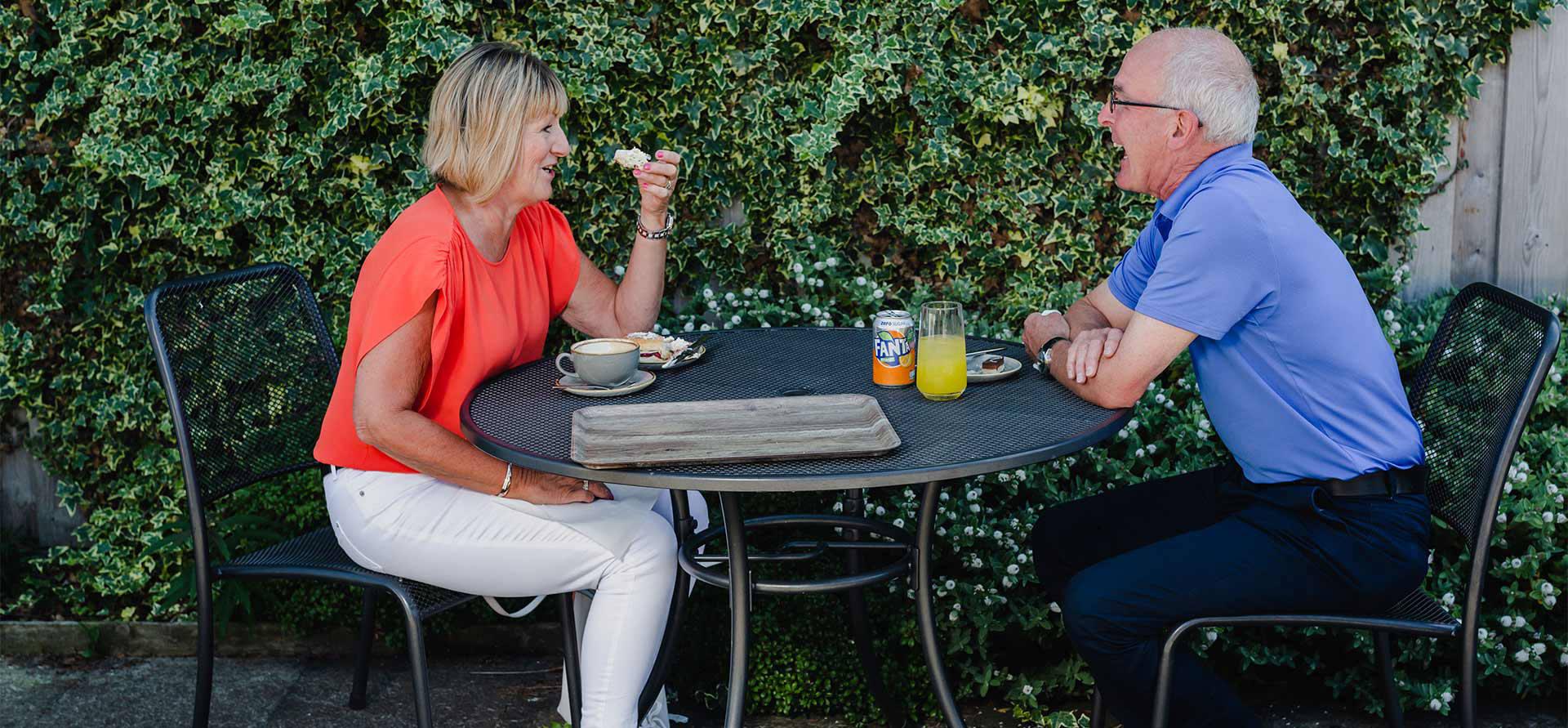 restaurant-outdoor-dining-header.jpg